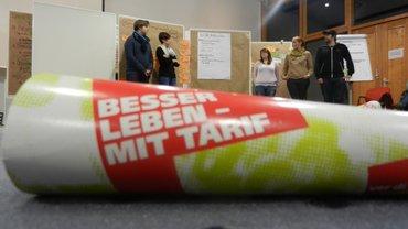 """Tröte mit der Aufschrift """"Jugend macht Tarif"""""""